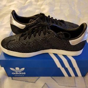 Adidas Gazelle shoes size 9.5